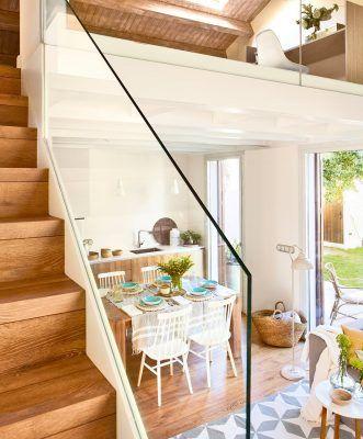 escaleras con barandilla de cristal 1059x1280